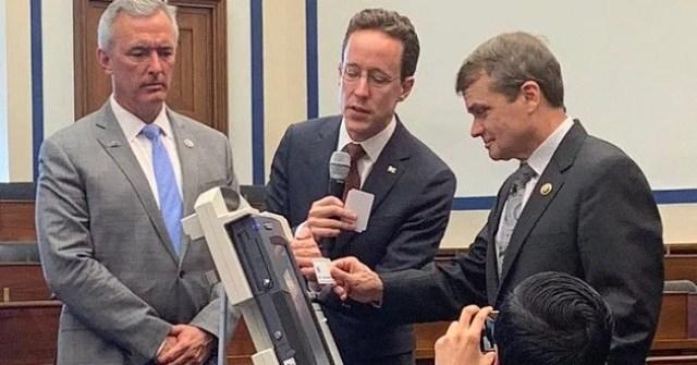 american scientists hack evm machines ईवीएम मशीन easily