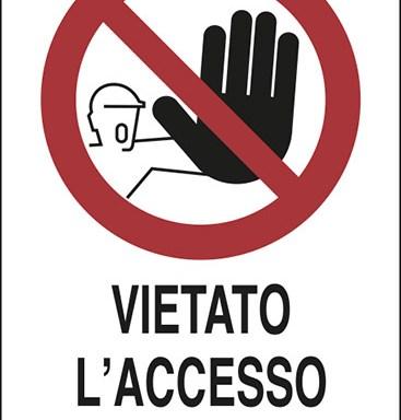 VIETATO L'ACCESSO AI NON ADDETTI