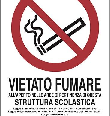 VIETATO FUMARE ALL'APERTO NELLE AREE DI PERTINENZA DI QUESTA STRUTTURA SCOLASTICA..