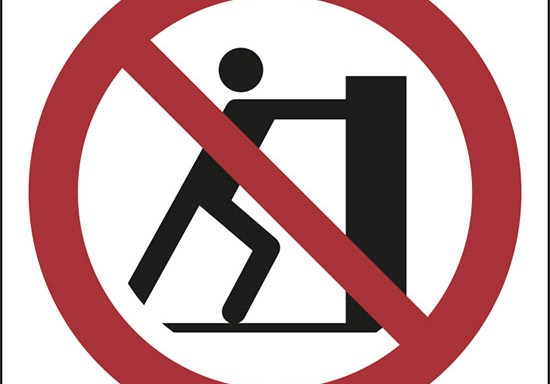 (vietato spingere – no pushing)
