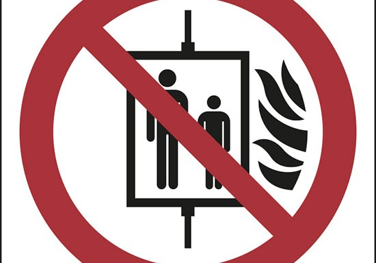 (vietato l'uso dell'ascensore in caso di incendio – do not use lift in the event of fire)