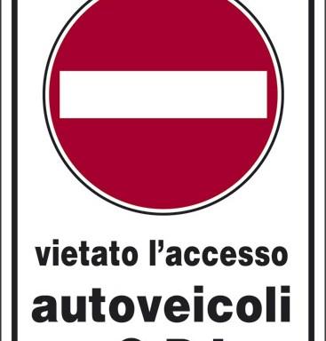 vietato l'accesso autoveicoli a G.P.L.