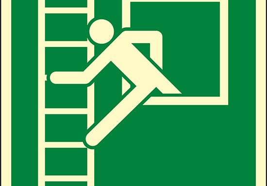 (finestra di emergenza con scala – emergency window with escape ladder) luminescente