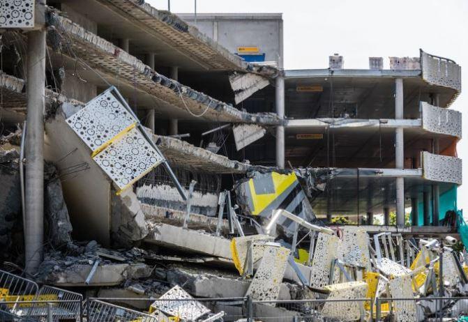 Parkeergarage Eindhoven ingestort vanwege dwarskracht duurzame bollenplaatvloer
