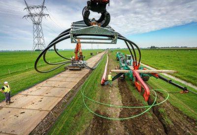 BAM ritst kabels innovatief de grond in bij Hazerswoude Dorp