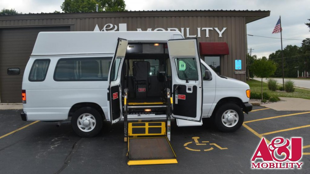 medium resolution of wheelchair van for sale 2006 ford econoline wagon stock 6da31900 a j mobility