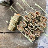 Zeewierwraps met zalm, furikake en wasabi