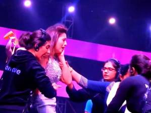 GAUHAR KHAN SLAPPED BY A MAN AT INDIA'S RAW STAR FINALE