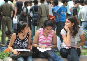 DU Admissions 2018 : More than 52,000 registration on Day 1