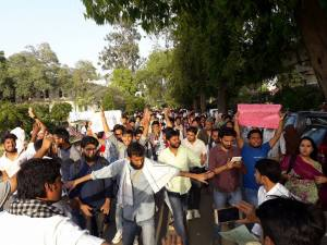 Jamia students organise massive protest against cow vigilantism;  Demand Justice for Pehlu Khan