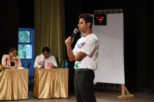 Jamia alumnus Faisal Breaks 7th Guinness World Record for his Strongest Memory