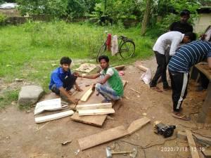 जम्मू कश्मीर से लौटे प्रवासी, बिहार में लगाई क्रिकेट बैट की फैक्ट्री