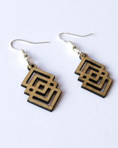 Pendant Earring Plywood – Overlap Aztec drop design laser cut – Aardwolf Design