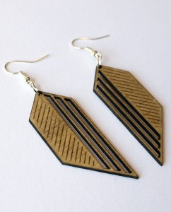 Pendant Earring Plywood – Split Heart drop design laser cut – Aardwolf Design