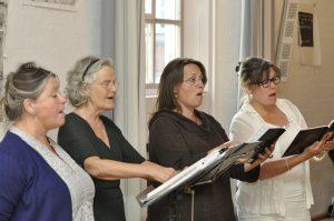 Kvindelige sangere i AAKK