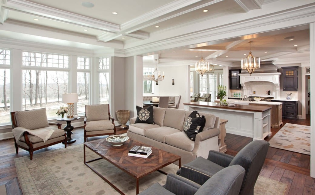 living room and white kitchen with wooden floors - The 4 most common mistakes in the living room and tips to correct them
