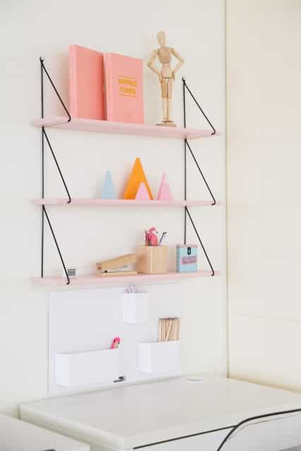 White writing desk with three floating shelves - Ideas to create a great study space for your children.  Check out!