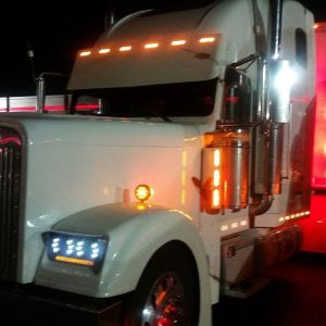 Visor 1 Peace close to Windshield For Paint 6 LED 3 Line Angled- FL Classic Condo Part#: 030201.2.1.63317$745