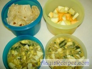 Lunchbox: Chapathi, Egg burji and fruits