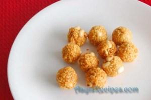 Sesame laddoos (Tila laddu)