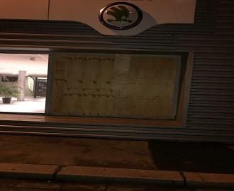 fermeture provisoire en urgence par contre plaqué vitrier le havre