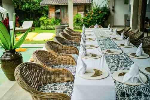 Villa Iluh Table Arrangement