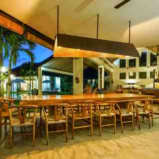 Villa Iluh Dining Area at Night