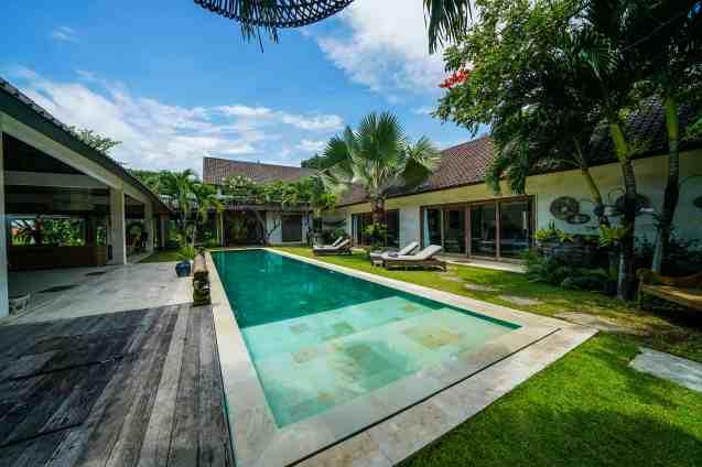 Villa Nyoman Swimming Pool 1(4)