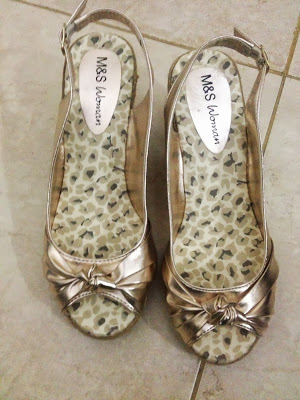 SHOES_M&S_GOLD