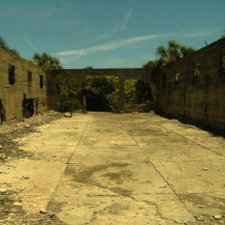 Fort Dade | Photo by Thomas Kenning, 2014