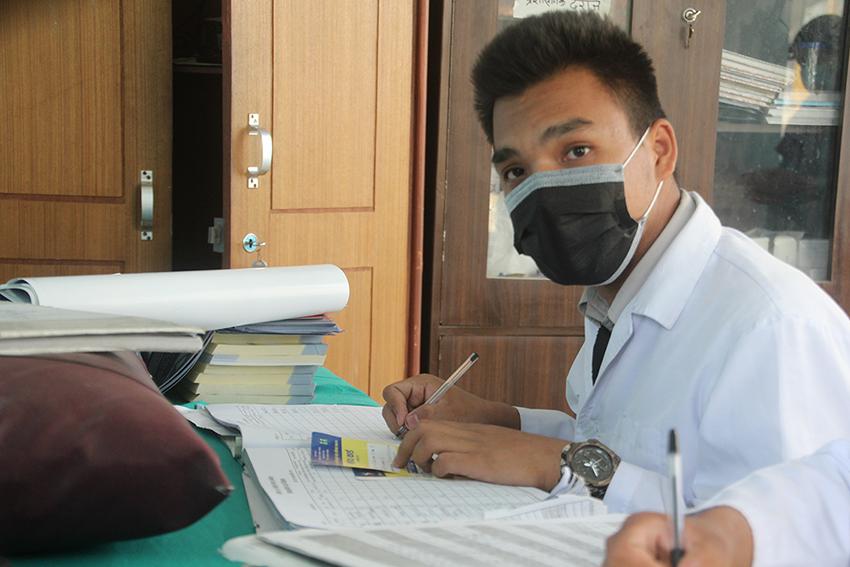 Rabin Labichane, aprendiz de medico