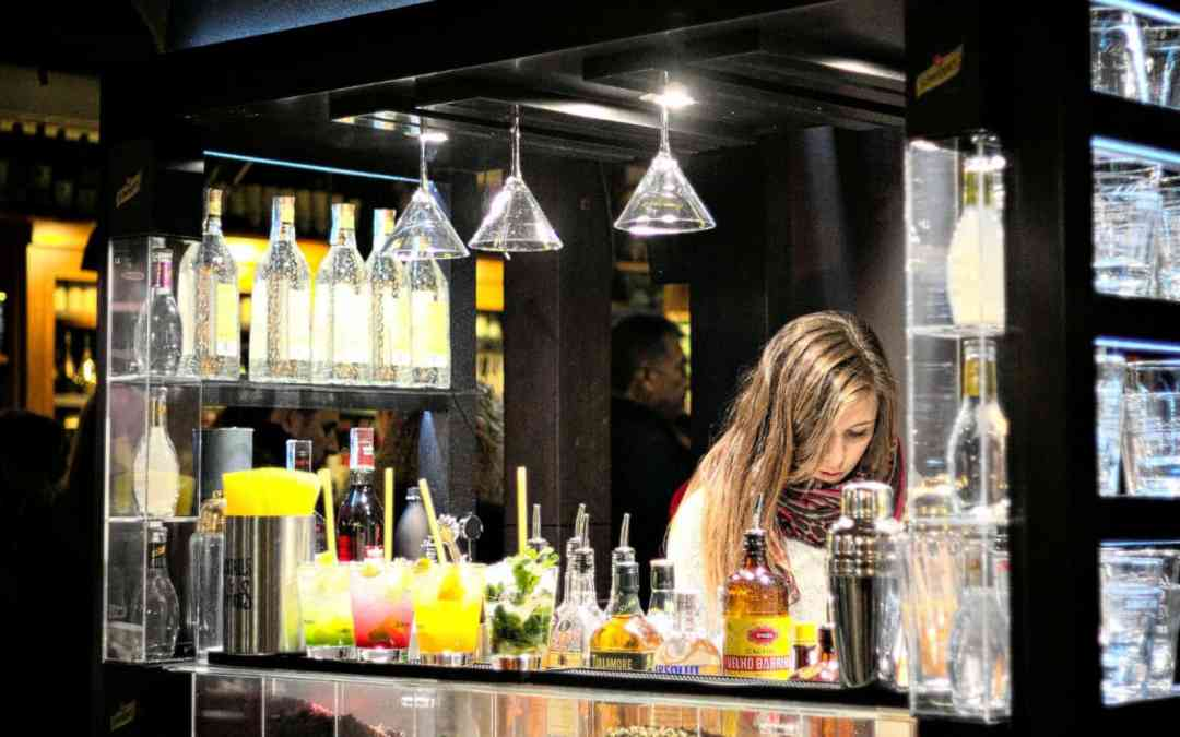 6 Steps to Transition from Cocktail Server to Bartender