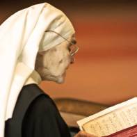 Sœur Marie-Noëlle en plein psaume