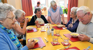 residents enjoying healthy meals at Abbeyfield Newcastle