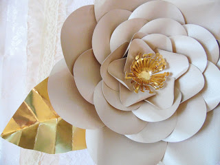diy backdrop and props paper flowers