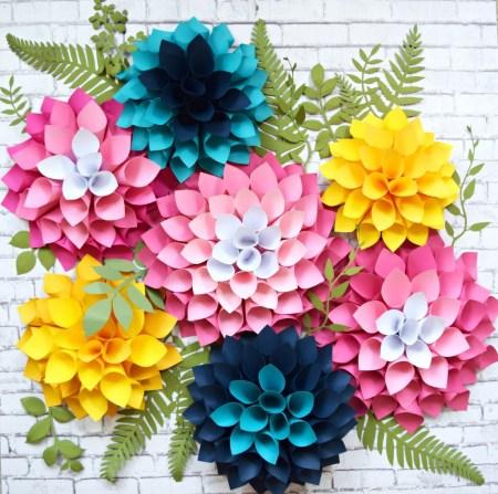 Giant dahlia wall flowers plus free template.