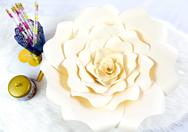 Diy paper rose tutorial large bella rose templates bella rose diy paper flower tutorial diy paper rose tutorial mightylinksfo