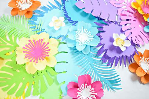 DIY Flower Table Runner: Ombre Rainbow Paper Flower Table Runner