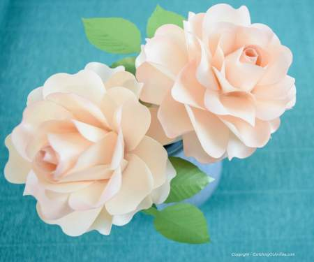 Small blooming paper rose craft and tutorial. Download your SVG and PDF flower templates.