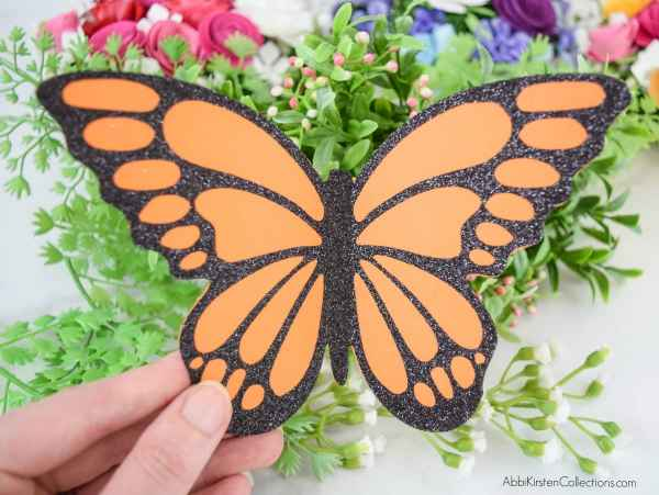 How to make monarch paper butterflies.
