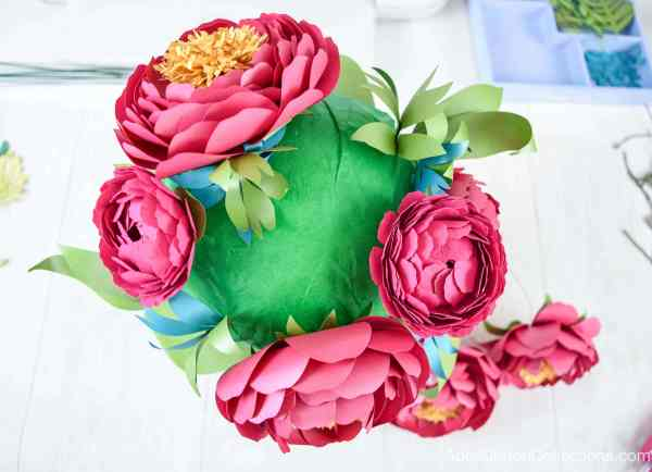 Your paper flowers bouquet in process