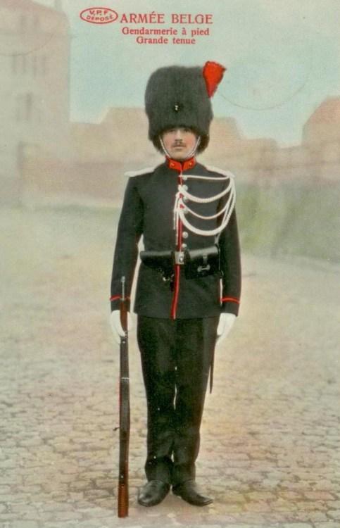 VPF Gendarmerie à pied Grande tenue 001