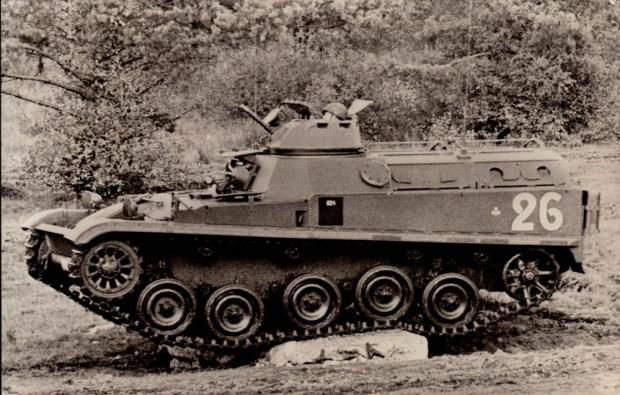 selection-vehicule-de-combat-dinfanterie-blinde-amx13-2