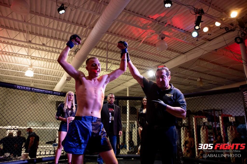 305 FIGHTS 9_26 WM-004