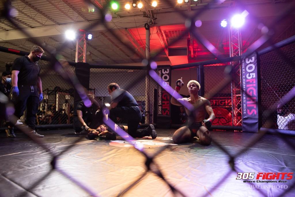 305 FIGHTS 9_26 WM-064