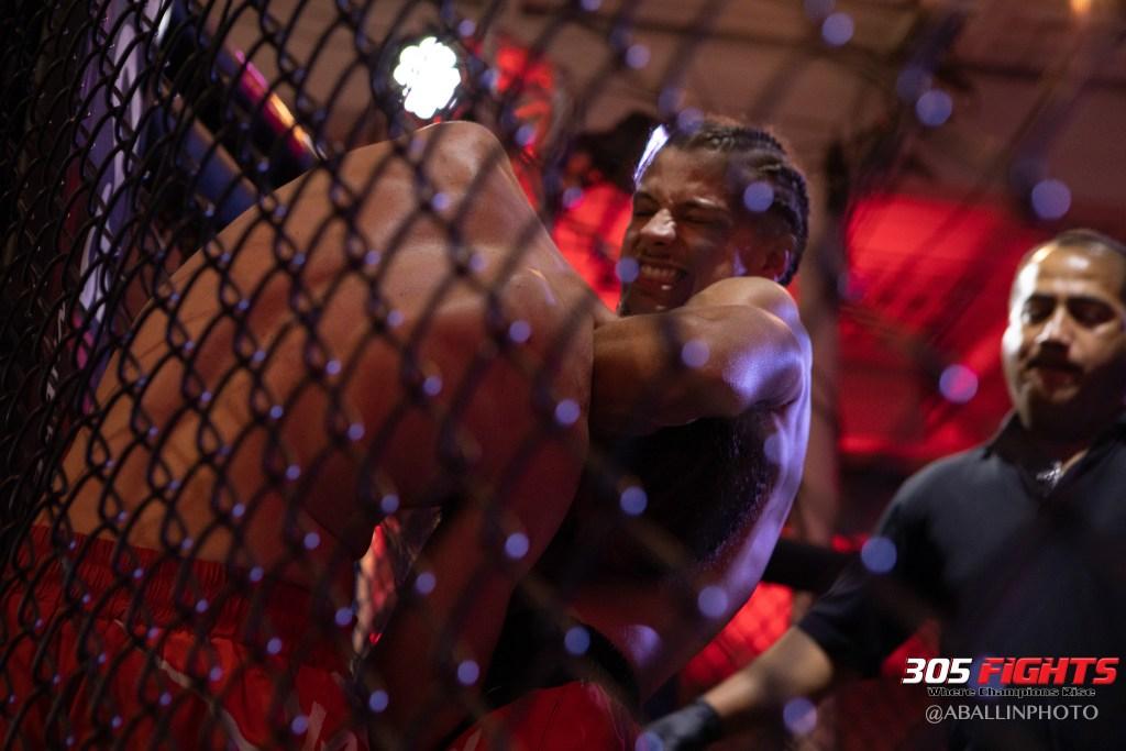 305 FIGHTS 9_26 WM-085