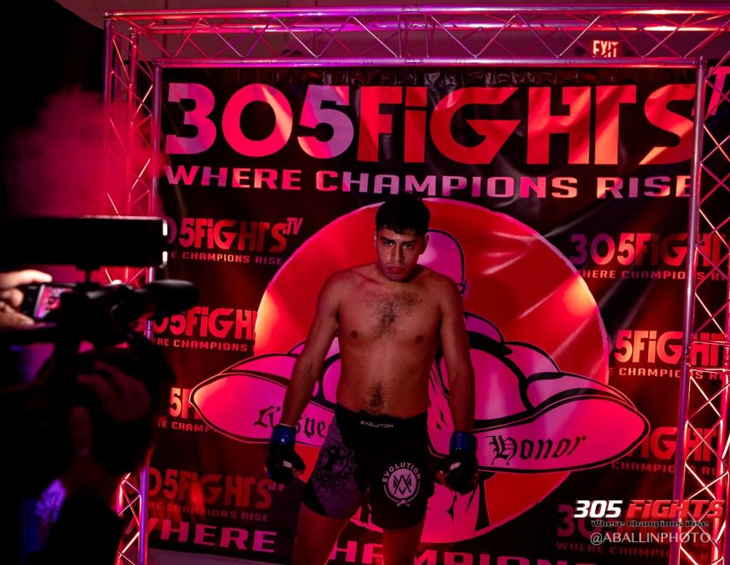 305 FIGHTS 9_26 WM-152