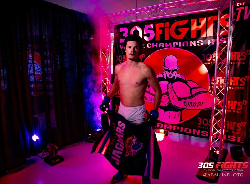 305 FIGHTS 9_26 WM-169