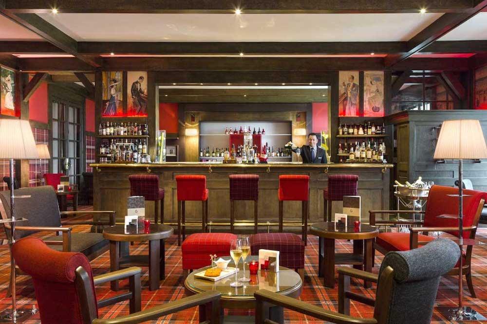 Bar_hôtel_du_golf_Lucien_Barrieres