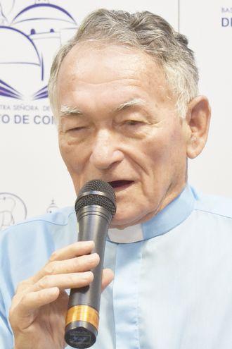 Presbítero Víctor Valiente.